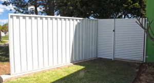 4. White colorbond side fence and gate